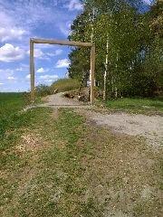4.5.2015 Brána na cestě k rozhledně babina [autor: Pavel Vondrášek]