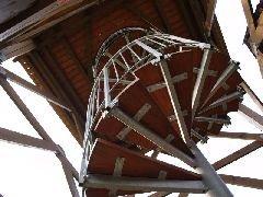2.7.2009 Schodiště na rozhlednu [autor: Pavel Vondrášek]