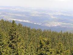 30.4.2005 Výhled z rozhledny na město Vimperk a okolí [autor: Pavel Vondrášek]