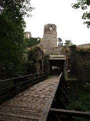30.9.2009 Hradní brána a druhá vyhlídková věž [autor: Pavel Vondrášek]