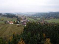 27.10.2007 Výhled z rozhledny na Hoslovice [autor: Pavel Vondrášek]