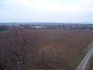 13.11.2009 Výhled z rozhledny na obec Kadlín [autor: Hana Květoňová]