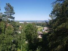 13.6.2009 Výhled na Sezimovo Ústí, na vrcholu zcela vpravo je umístěn hrad Choustník [autor: Pavel Vondrášek]