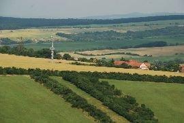 4.7.2012 Pohled na rozhlednu Lhotka u Uherského Brodu [autor: Petr Kohl]