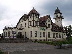 6.7.2013 Hotel s rozhlednou Petřín v Jablonci nad Nisou [autor: Pavel Vondrášek]