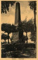 Historická pohlednice památníku