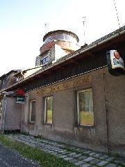 14.8.2009 Otáčivá rozhledová kupole umístěná na turistické chatě [autor: Pavel Vondrášek]